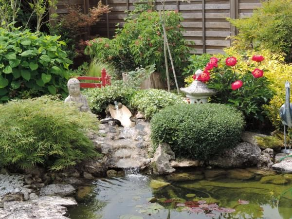 0 bassin zen avec cascade water in the garden for Bassin jardin avec cascade
