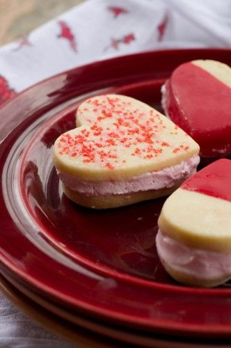 Valentine Ice Cream Sandwiches | Valentine's Day Food | Pinterest