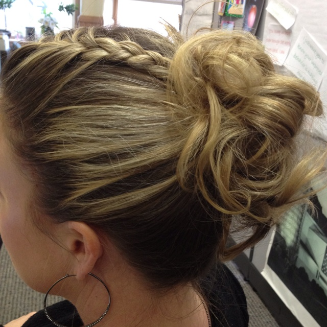 Easy Hair Updo - Hairstyles
