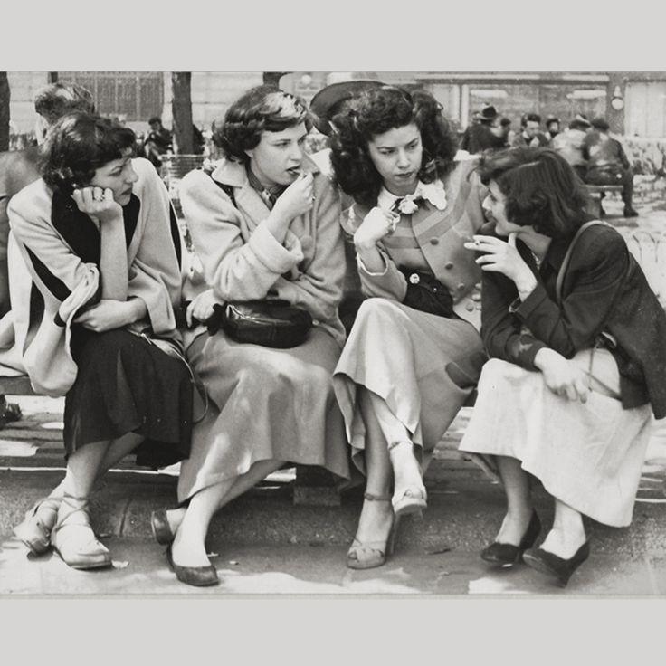 Lunch-Break gossip