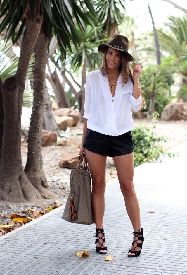 Zara  Camisas / Blusas, Zara  Pantalones cortos and Zara  Tacones / Plataformas