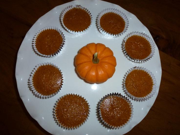 Mini pumpkin pies with chocolate graham cracker crust