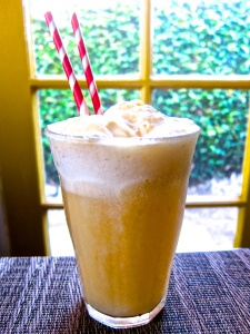 Apple Cider Floats ... a great idea for a Kids party. Or try fruit ...