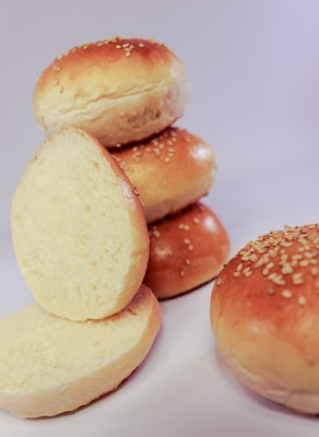 Beautiful hamburger buns! | bread and pastries | Pinterest