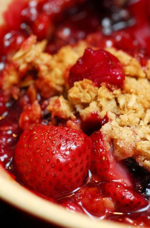 Strawberry rhubarb crisp | Desserts | Pinterest