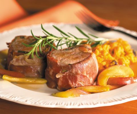 filet mignons with sweet potato purée with raisins and caramelized ...