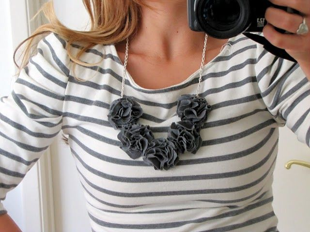 fabric flower necklace - DYI