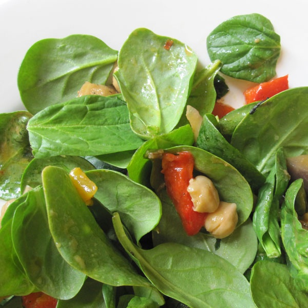 Chickpea, Red Pepper, and Spinach Salad With Harissa | Recipe