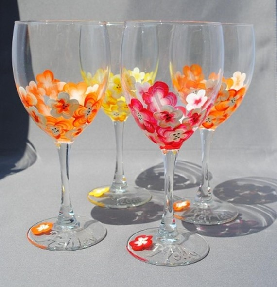 Painted wine glasses wine glass decorating pinterest Images of painted wine glasses