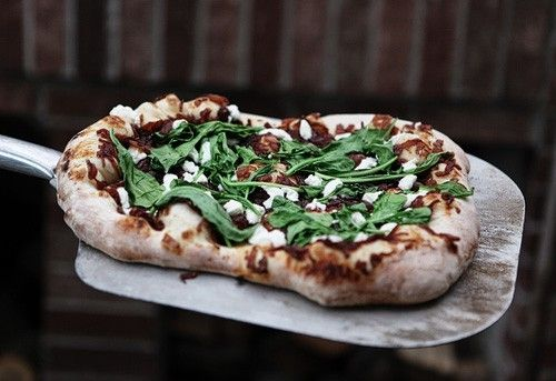 ... Goat Cheese, and Arugula Pizza. #food #pizza #Italian #onion #cheese #