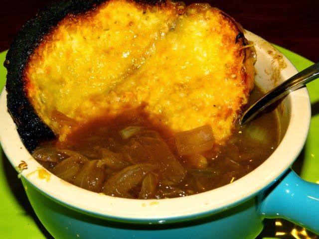 My Newlywed Cooking Adventures: Tyler Florence's French Onion Soup