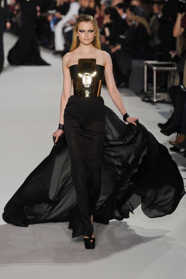 Stephane rolland paris haute couture ball gowns pinterest for Haute couture in english