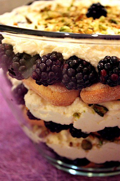 Blackberrye Trifle (gotta find a way to make this vegan... cause its ...