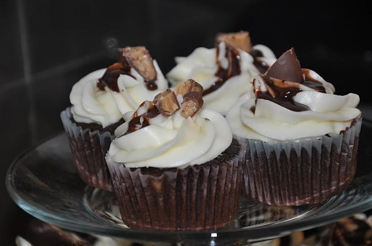 Elizabeth Ann's Recipe Box: Heath Bar Cupcakes with Buttercream ...