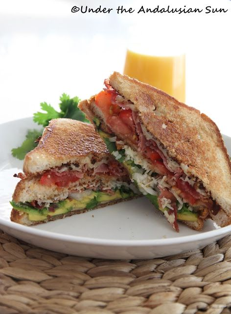 BLT with avocado and cheese | Soupes, sandwiches et pains | Pinterest