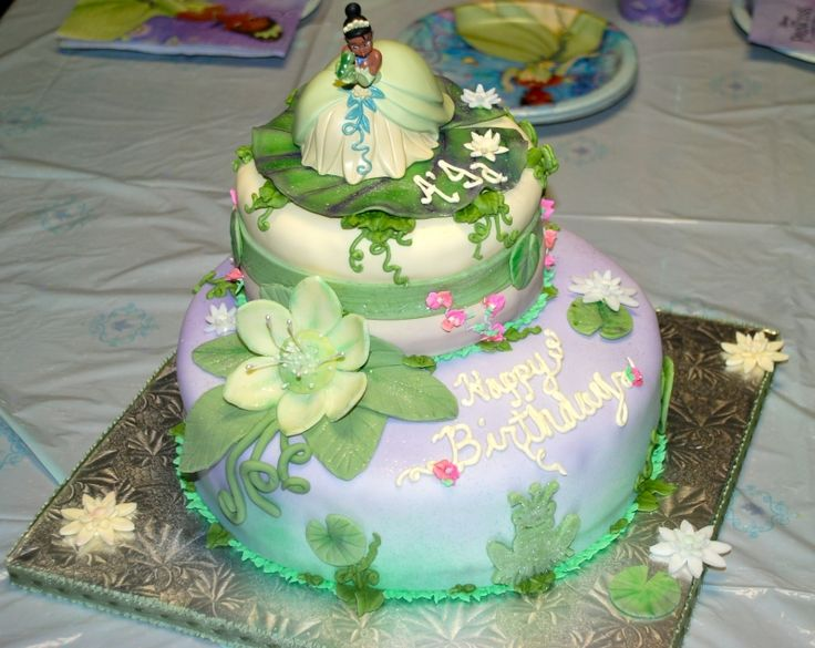 Princess Tiana Cake Pictures : princess and the frog cake Icing on the Cake Pinterest