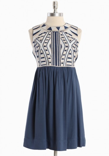 embroidery sleeveless dress. would be great for a summer party or wedding.
