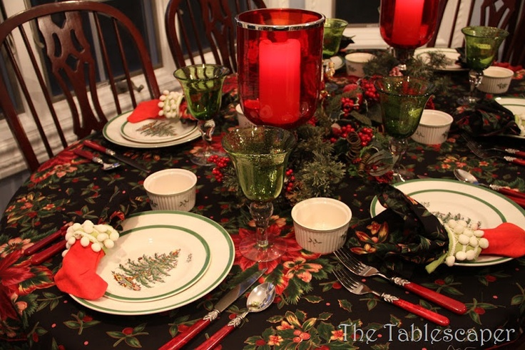 Dining table set with christmas spode christmas cottage pinterest