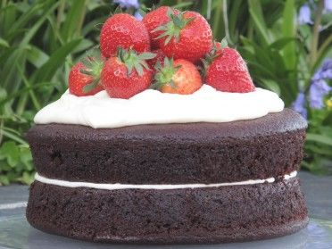 Chocolate and Buttermilk Cake | Yummy! | Pinterest