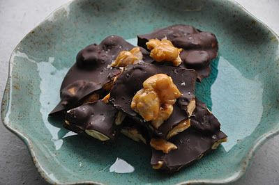 chocolate almond bark with sea salt | food & drink | Pinterest