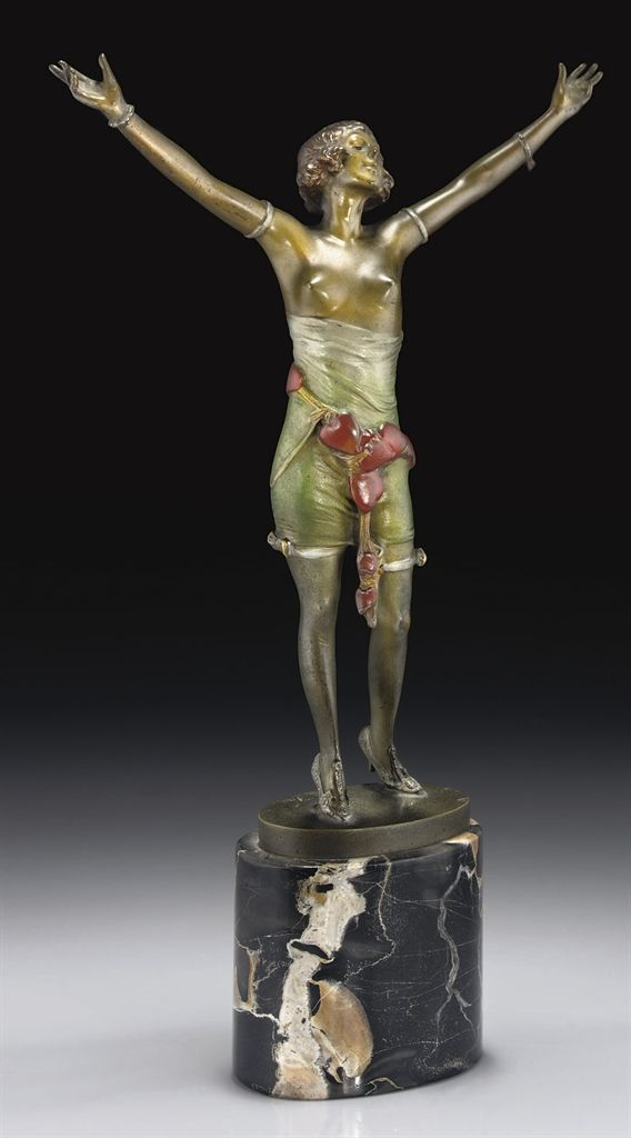 BRUNO ZACH | 'STOLEN HEARTS', A PATINATED AND COLD-PAINTED BRONZE FIGURE, CIRCA 1925