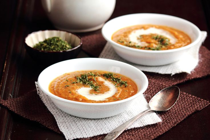 Roasted Butternut Squash and Apple Soup. Perfect winter dinner.