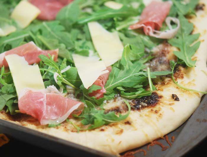 Fig-Prosciutto Pizza With Arugula Recipe — Dishmaps