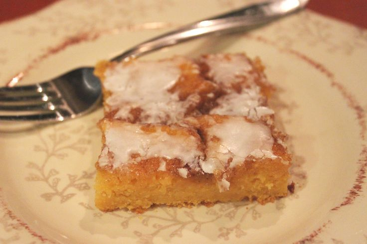 ... Aprons :: Cinnamon Roll Pumpkin Vanilla Sheet Cake from Picky Palate