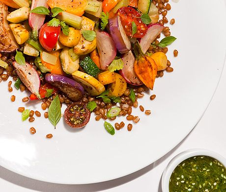 Summer Vegetable Stir-Fry // I love how you can use ANY summer produce ...