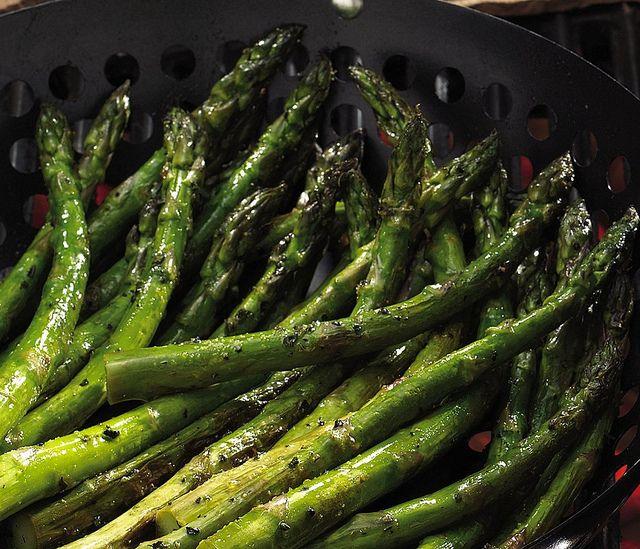 Lemon-Pepper Grilled Asparagus Recipe | yummy | Pinterest