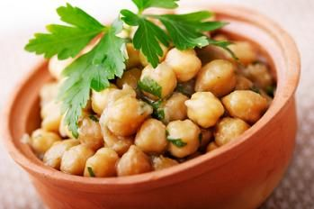 Warm Chickpea Salad | Life of a Veg | Pinterest