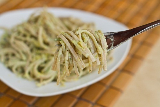 15 MIN CREAMY AVOCADO PASTA. | A Case of the {Hungries} | Pinterest