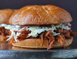Carolina Pulled-Pork Sandwiches. OMG good. (24 hours in fridge, then 3 ...
