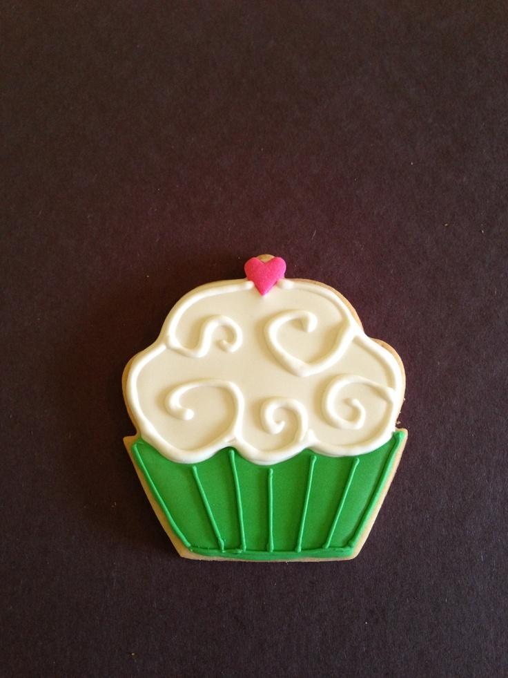 Swirly cupcake | My Cookie Decorating | Pinterest