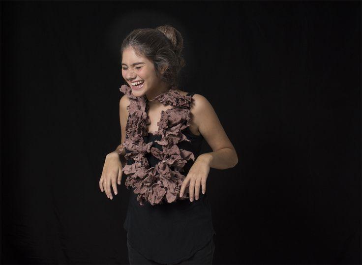 """María Carelli - Serie: Regar las algas. 2014 - collar III - papel, plata 925 (EXPO """"SUR O NO SUR"""")"""