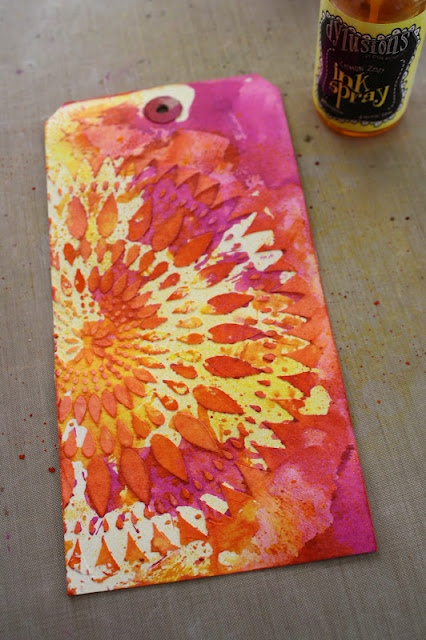 Spray Ink: I have to test the new Dylusions Ink Sprays on at least one tag.