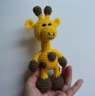 Little Bigfoot Giraffe. Free crochet pattern on blog. Click picture!