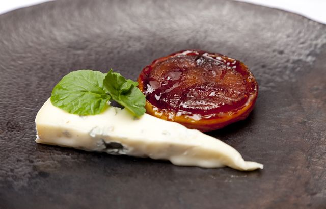 Luke Tipping prepares a tarte tatin using pears instead of apples and ...