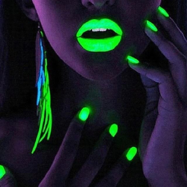 Glow-in-the-dark Makeup?! | Glow-in-the-Dark | Pinterest