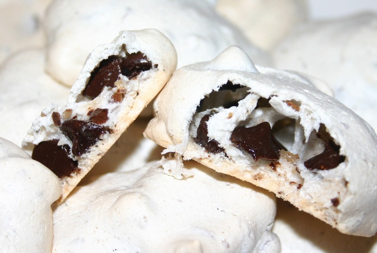 CHOCOLATE CHIP MERINGUE COOKIES | Desserted on an Island | Pinterest
