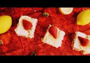 Strawberry Lemon Cheesecake Bars | Cakes & Cupcakes | Pinterest