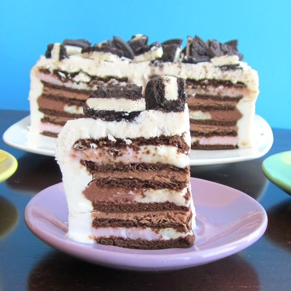... Ice Cream Sandwich Cake with Vanilla Whip and Chocolate Cream Fi