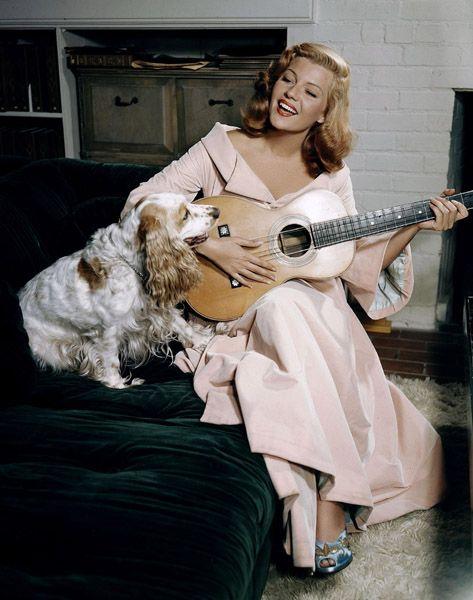 Η Ρίτα με τον σκύλο της...