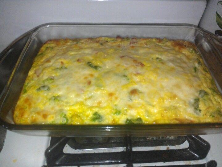 Low carb broccoli, ham & mozzarella egg bake