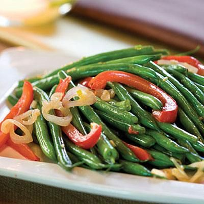 Combine French green beans and red bell pepper strips with shallots ...