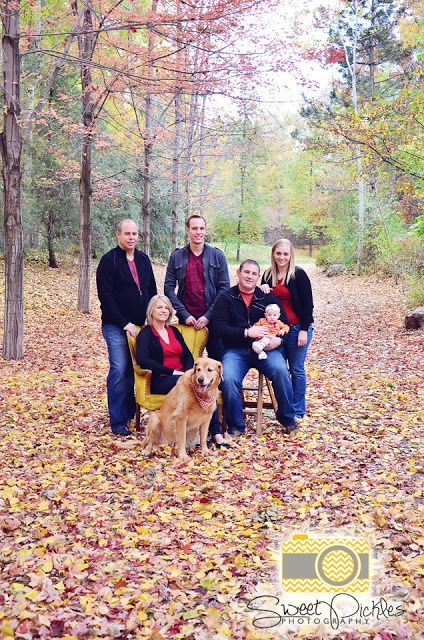 Fall Family Picture Ideas http://pinterest.com/pin/78672324712657660/