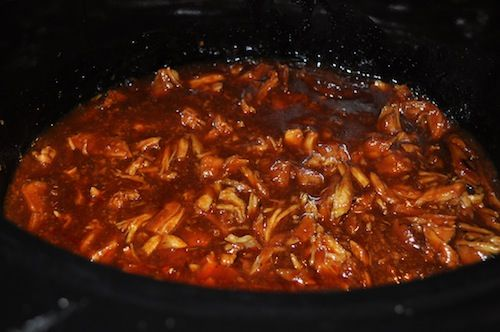 Zesty Slow cooker chicken BBQ. Thinking about this for the in-laws ...