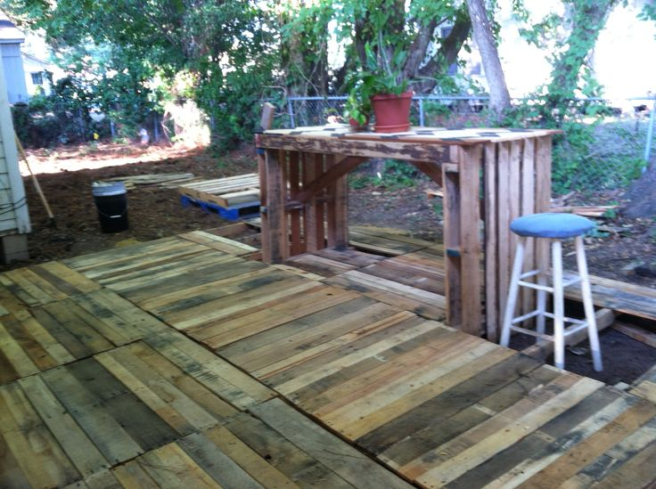 DIY Pallet Deck And Table Pallets Pallets