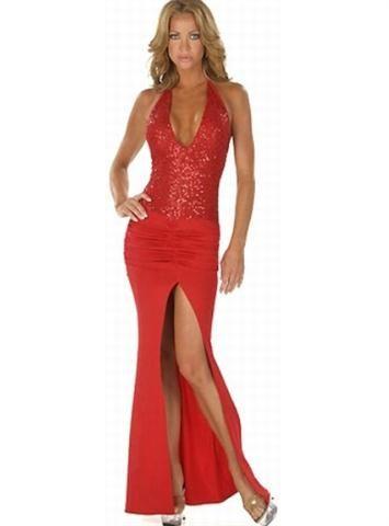 Daca doresti sa atragi atentia intr-o tinuta rosie iti recomandam acest model de rochie de seara din licra care are partea de sus dublata cu material stralucitor. Spatele este jumatate gol si crapatura de pe centru lasa picioarele sa se vada .  COD PRODUS: SY 860