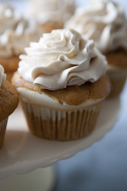 Cheesecake pumpkin cupcakes